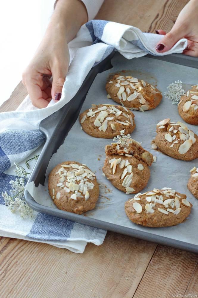 biscotti-morbidi-alle-mele-vegan-senza-glutine