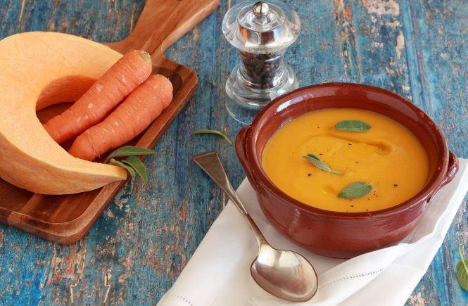 vellutata-di-zucca-e-carote-light-vegan