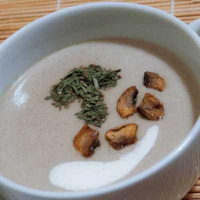 Crema di Funghi e patate con Crostini