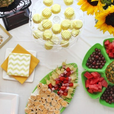 PINEAPPLE THEME PARTY 10