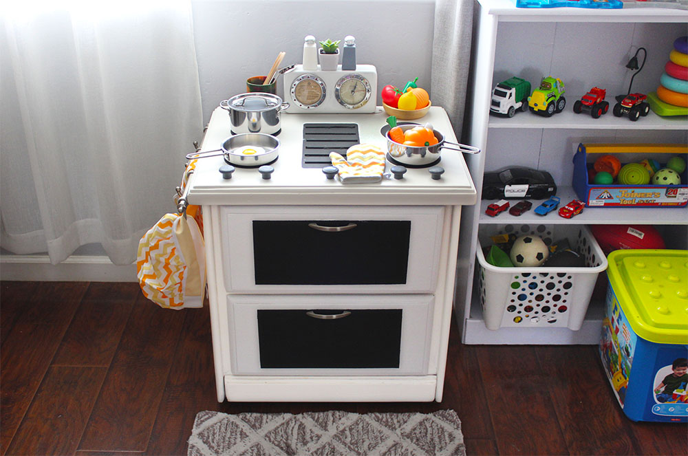 DIY PLAY KITCHEN 3