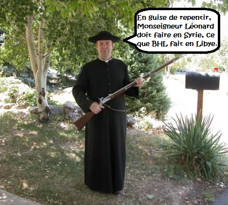Franciscan priest avec rifle