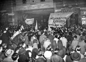 Returning International brigaders given a rousing welcome at Victoria on 7 December 1938