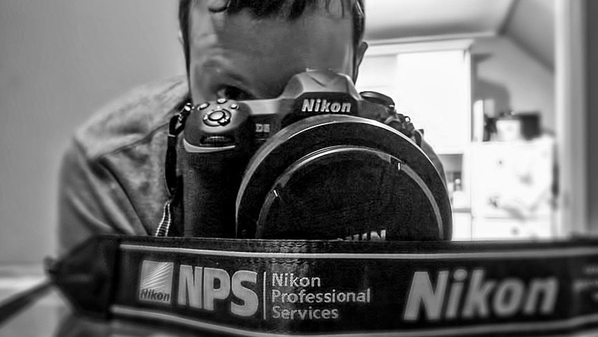 Wildlife photographer Richard Costin and the Nikon D5 dslr camera for review