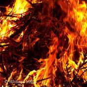 Fire---Mar-'09-14-esq-©