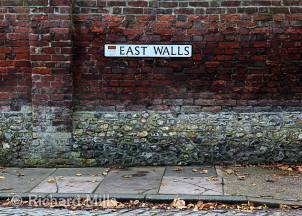 East-Walls,-Chichester---Nov-2013-53-e-©