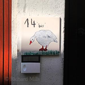 14 La Bouille, France 2012 D5 1319 esq sm ©