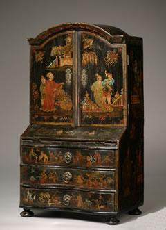articles-antique-minature-furniture
