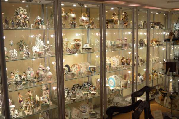 richard-gardner-antiques-showroom-3