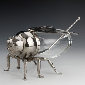 VINTAGE SILVER PLATED & GLASS BEE SHAPED HONEY POT