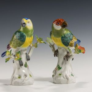 ANTIQUE PAIR OF MEISSEN PORCELAIN PARROTS