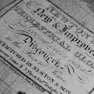 Globes / maps / atlas