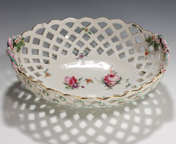 ANTIQUE CHELSEA DERBY PORCELAIN BASKET PAINTED FLOWERS