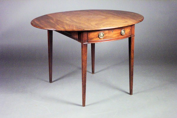 ANTIQUE GEORGE III MAHOGANY OVAL PEMBROKE TABLE