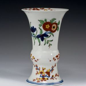 ANTIQUE WORCESTER PORCELAIN VASE WITH KEMPTHORNE PATTERN