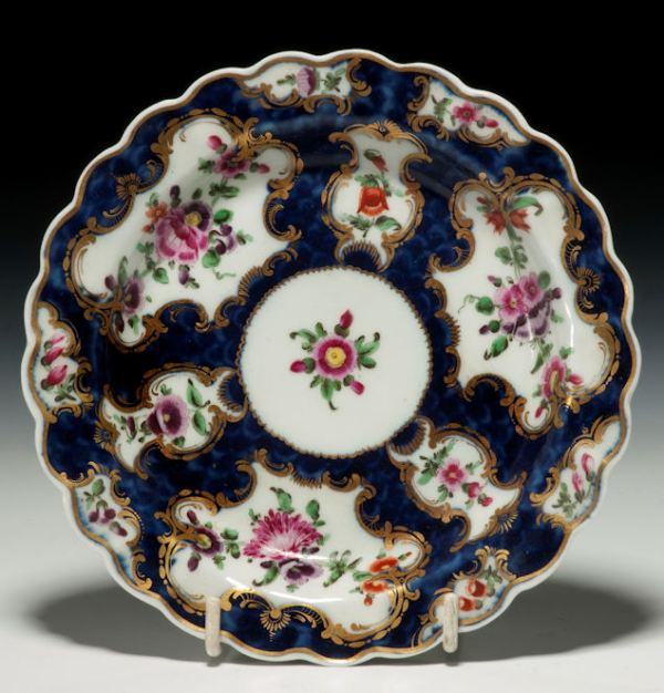 ANTIQUE WORCESTER PORCELAIN PLATE PAINTED FLOWERS