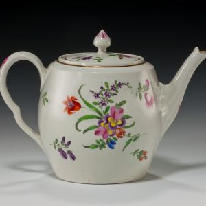 ANTIQUE WORCESTER PORCELAIN BARREL SHAPED TEAPOT