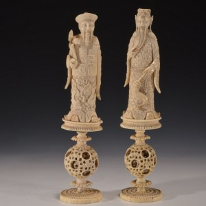 PAIR OF ANTIQUE CHINESE IVORY CHESS PIECES
