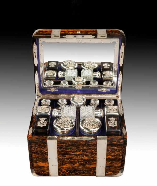 antique-dressing-travelling-case-Thornhill-silver-fittings-large-rare-Tient-Ferme-gentlemans-c (2)