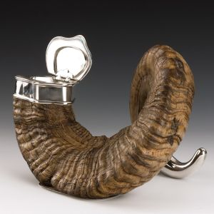 ANTIQUE RAMS HORN TABLE SNUFF MULL