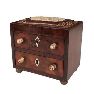 ANTIQUE SEWING BOX AS A MINIATURE CHEST