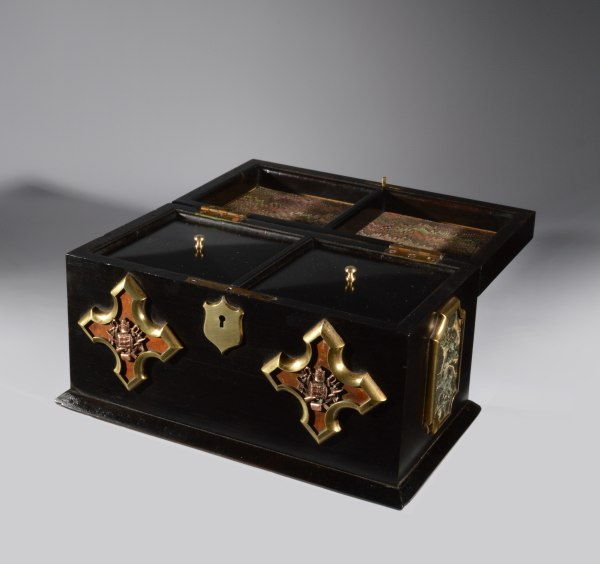 antique-tea-caddy-Imperial-military-medallions-trophies-Austro-Hungarian-caddy_6369