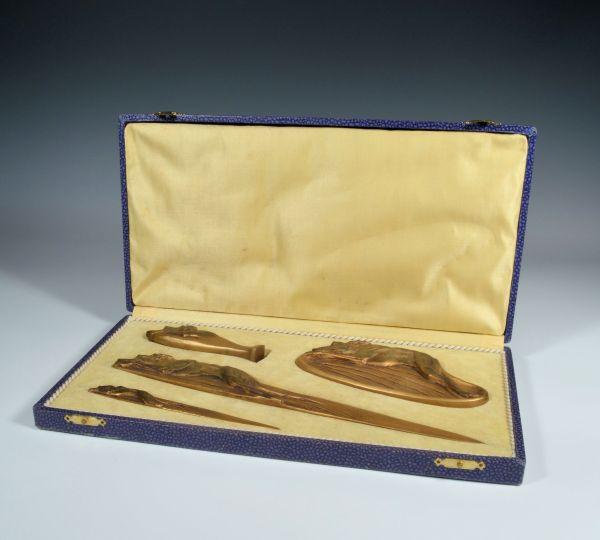 boxed-bronze-greyhound-desk-set-Boyed-antique-DSC_0631_5997