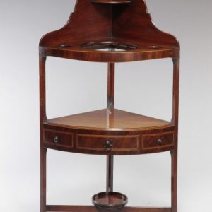ANTIQUE GEORGE III MAHOGANY CORNER WASHSTAND