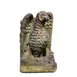 ANTIQUE STONE GARDEN STATUE OF AN EAGLE
