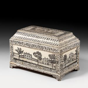 ANTIQUE ANGLO INDIAN VIZAGAPATAM IVORY CASKET