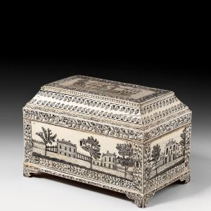 ANTIQUE ANGLO-INDIAN VIZAGAPATAM IVORY CASKET