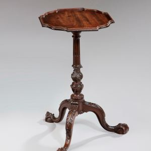 ANTIQUE 19TH CENTURY CARVED MAHOGANY KETTLE STAND