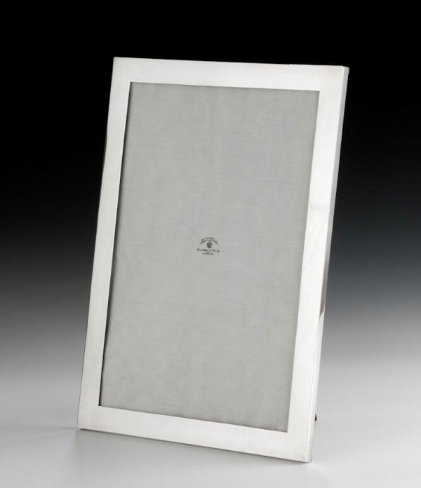 LARGE ANTIQUE MAPPIN & WEBB SILVER PHOTOGRAPH FRAME