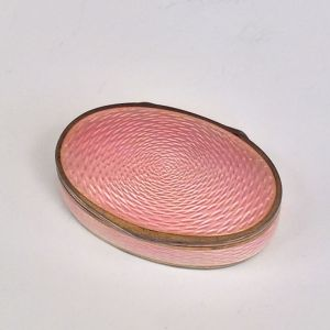 ANTIQUE OVAL ENAMEL PILL BOX