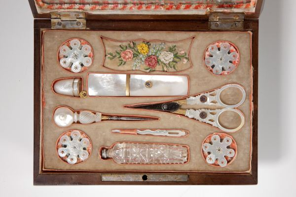 sewing-box-Palais-Royal-mulberry-mother-of-pearl-tools-antique-4783_1_4783