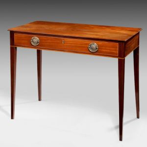 ANTIQUE GEORGIAN MAHOGANY SIDE OR SERVING TABLE