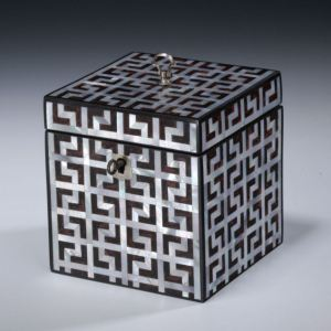 ANTIQUE TORTOISESHELL AND MOTHER OF PEARL TEA CADDY