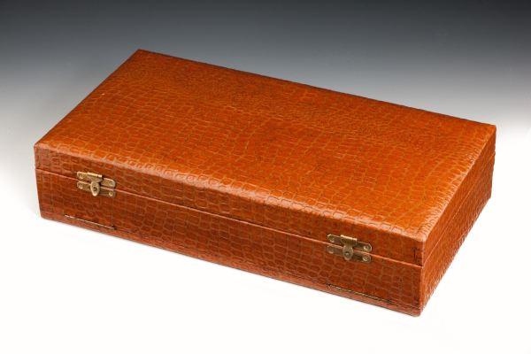 tortoiseshell-silver-brush-set-cased-hassett-harper-antique-4679_1_4679