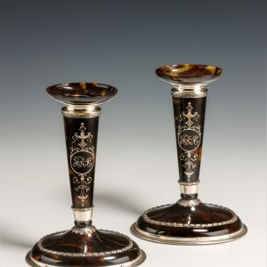 ANTIQUE PAIR OF WILLIAM COMYNS SILVER AND TORTOISESHELL CANDLESTICKS