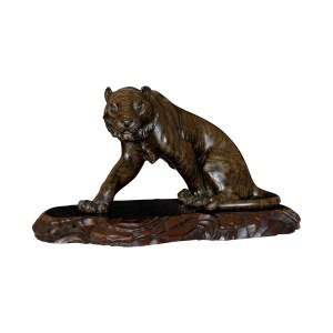 ANTIQUE JAPANESE BRONZE SEATED TIGER BY GENRYUSAI SEIYA
