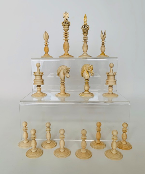 antique-chess-set-ivory-green-natural-stamped-william-lund-IMG_2909