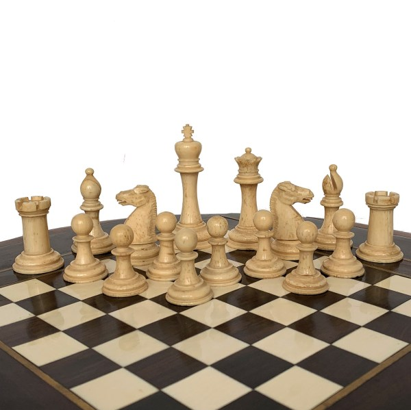 antique-staunton-polished-bone-chess-set-19th-century-red-white-IMG_3483a