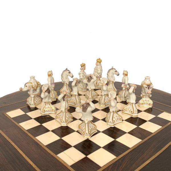 meissen-chess-set-porcelain-kaendler-vintage-bust-type-IMG_4604a