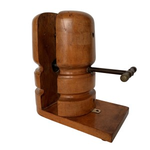 FIND ANTIQUE MILLINERS WOODEN HAT STRETCHER FOR SALE IN UK