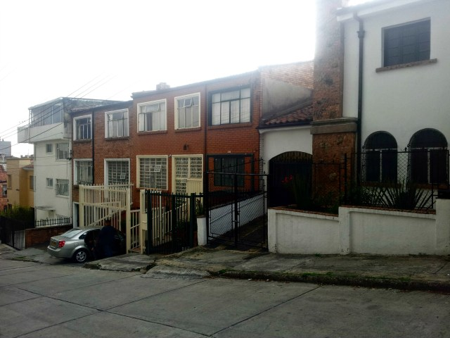 Pleasant residential streets in Chapinero Alto
