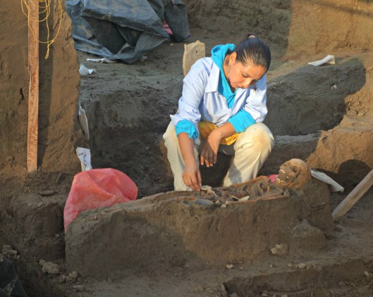 archaeology in mompos