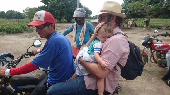 Travelling with a child to Morales, Bolivar