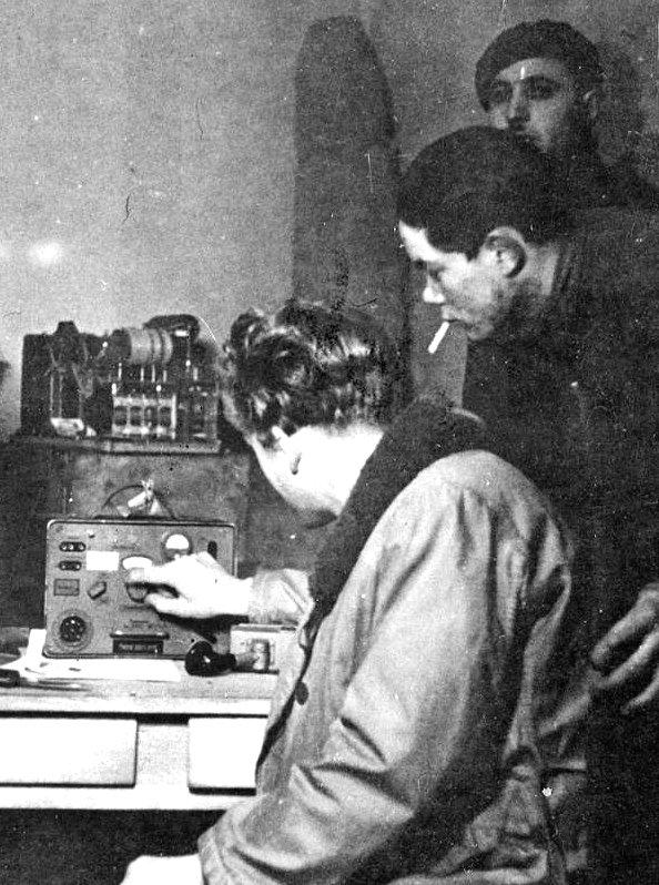 french-resistance-radio-xlarge.jpg