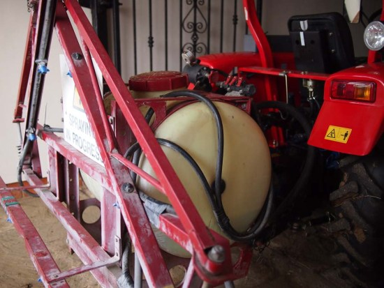 The Landews Meadow Farm tractor mounted sprayer (once again I have tractor envy!!!)