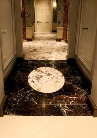 Marble flooring with contrast inlay